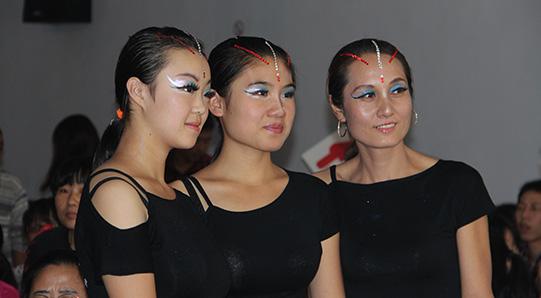 2013年飞鹤艺术节员工风采